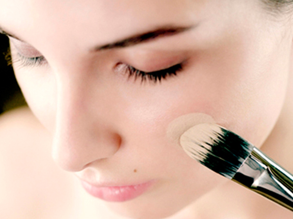 Как скрыть веснушки с помощью макияжа